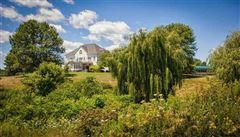Luxury properties Magnificent equestrian property in schuylerville