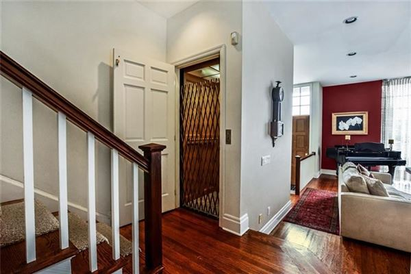 Luxury homes Picture Perfect Townhome in Shadyside