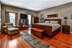Picture Perfect Townhome in Shadyside  mansions