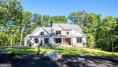 Mansions gorgeous home and setting in Hummelstown