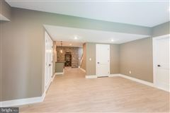 Luxury real estate gorgeous home and setting in Hummelstown