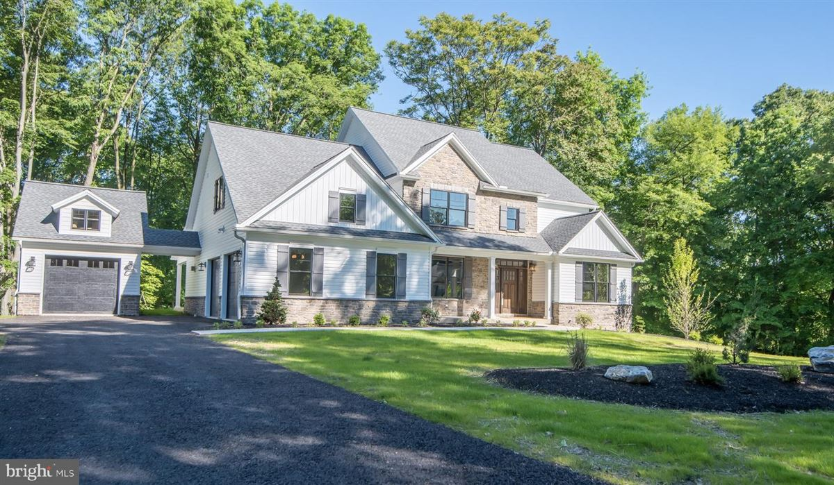 Mansions in gorgeous home and setting in Hummelstown