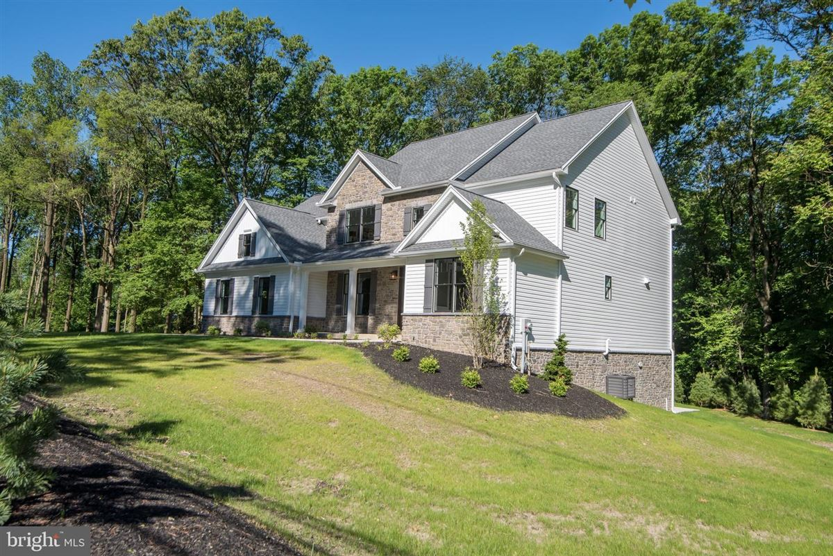 Luxury homes gorgeous home and setting in Hummelstown