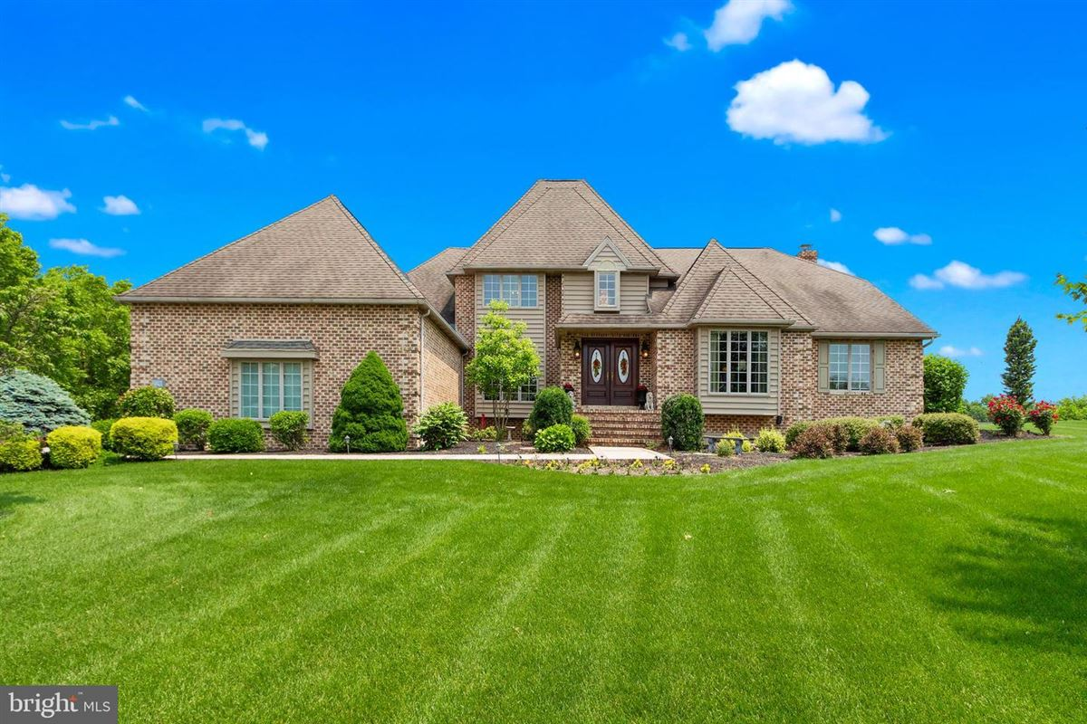 Luxury homes Exceptional inside and out
