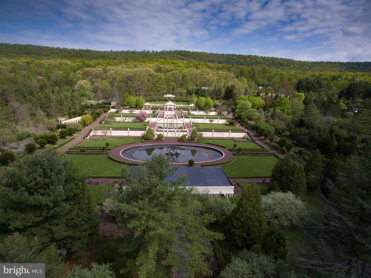 amazing nearly 50-acre property luxury properties