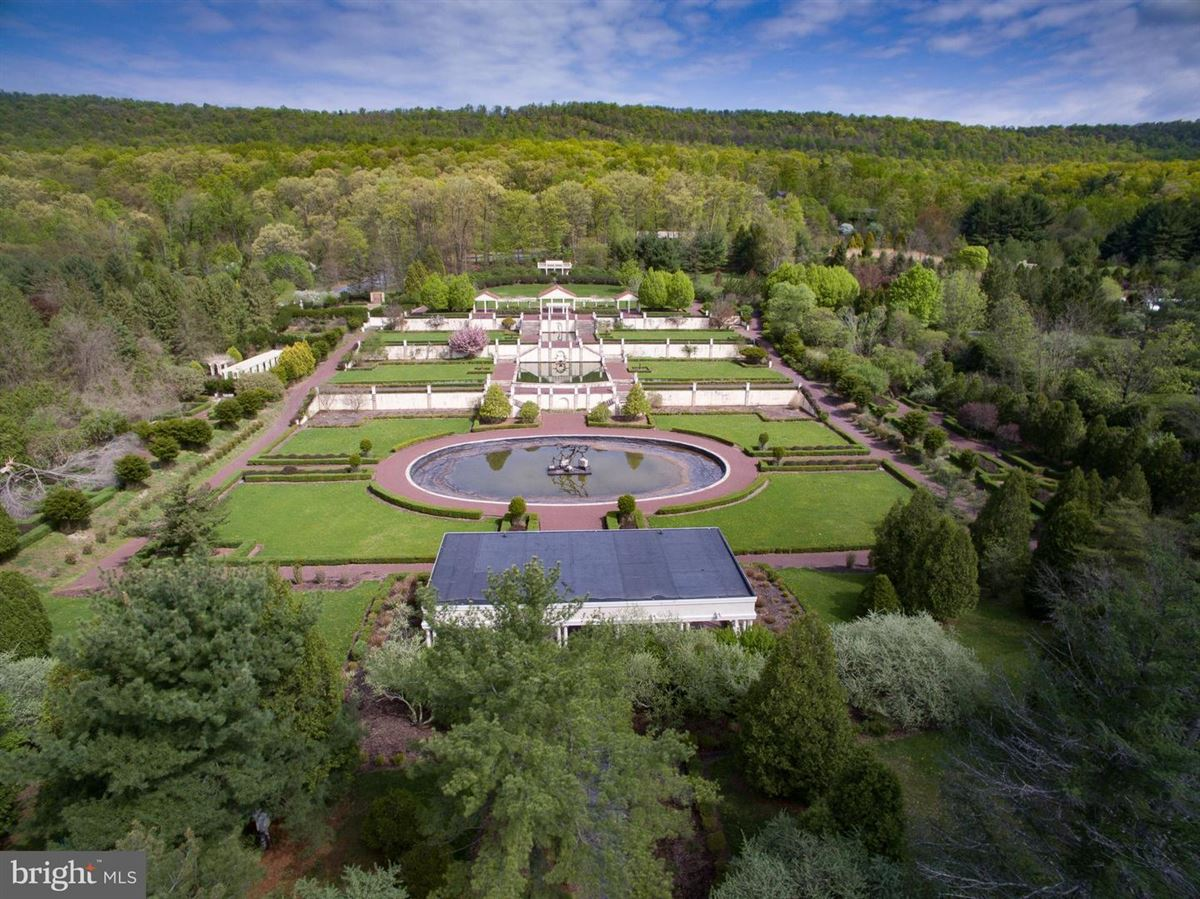 Mansions amazing nearly 50-acre property