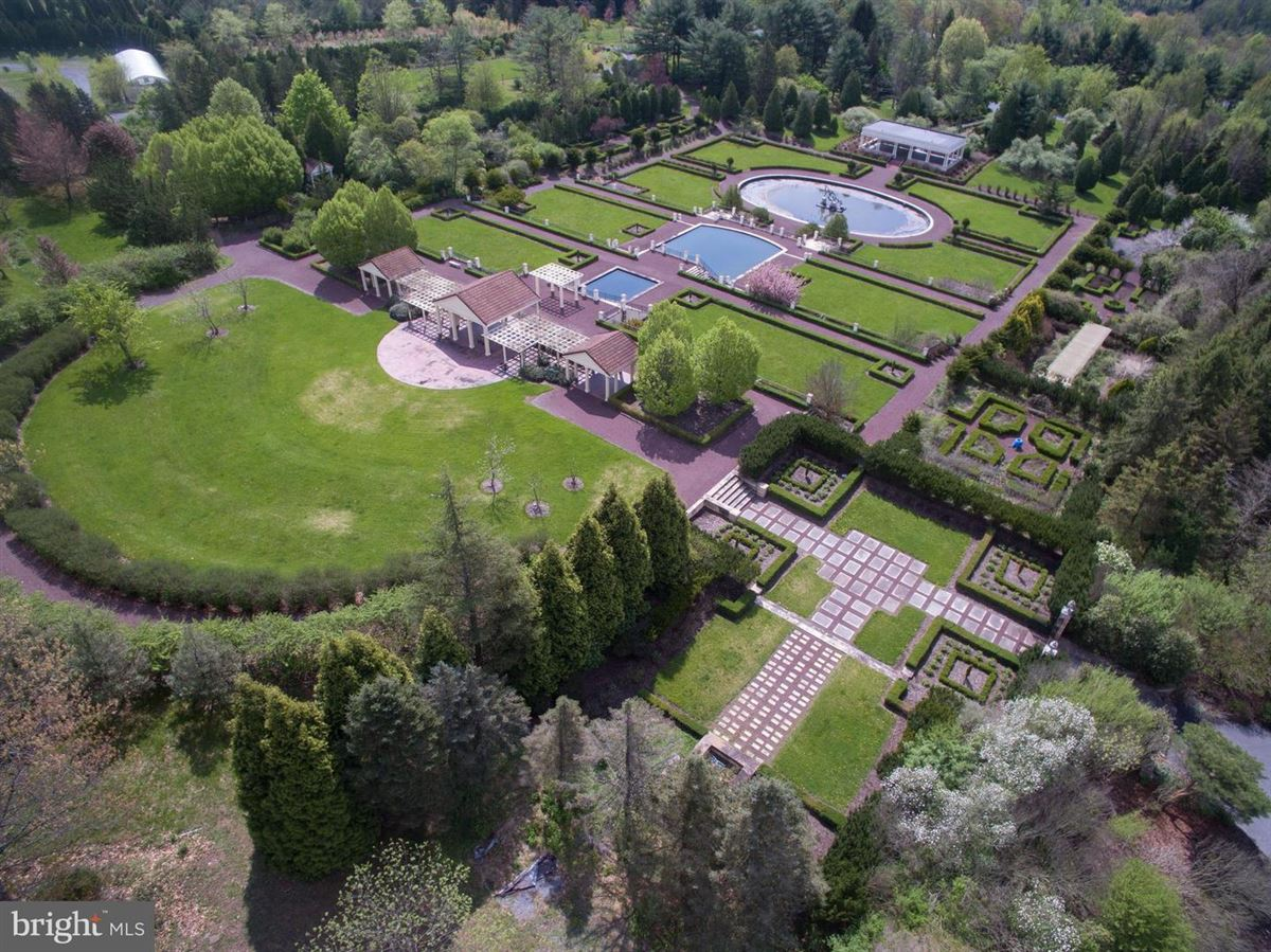 Mansions in amazing nearly 50-acre property