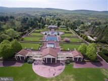 amazing nearly 50-acre property luxury homes