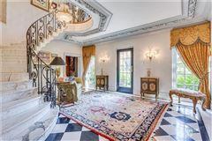 desirable Ben Avon Neighborhood mansions