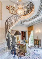 Luxury homes in desirable Ben Avon Neighborhood