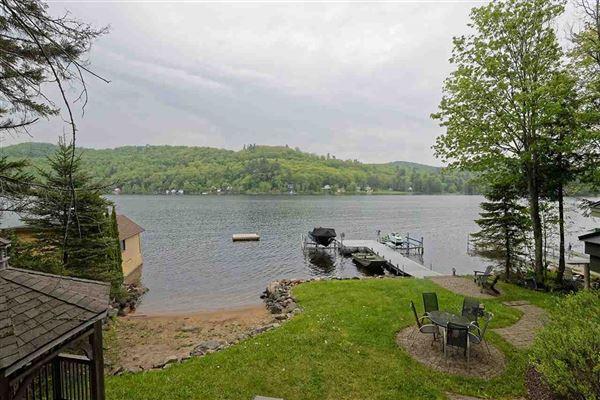 Mansions Enjoy lake living
