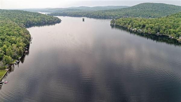 Luxury homes Enjoy lake living