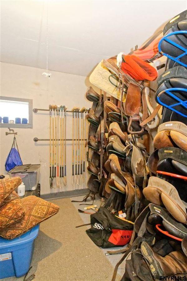 Luxury homes Turn-key equestrian property in Gansevoort