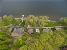 Luxury homes amazing location on Saratoga Lake