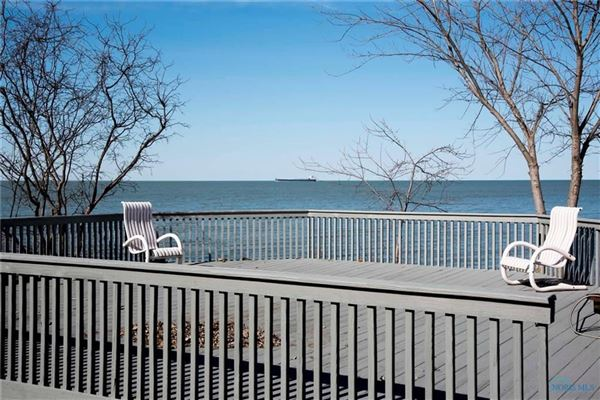 Lake Erie to Bay property  luxury properties