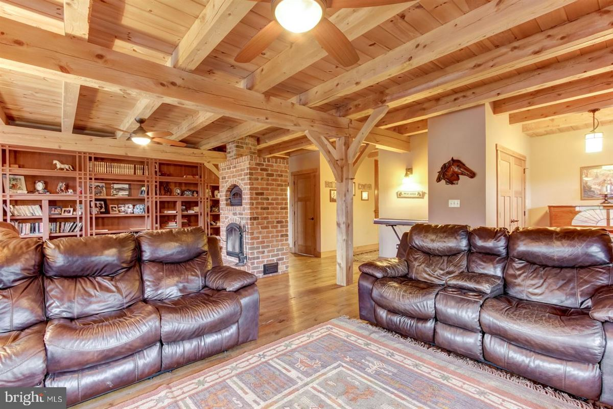 Spectacular and Secluded 17 Acre Horse Farm mansions