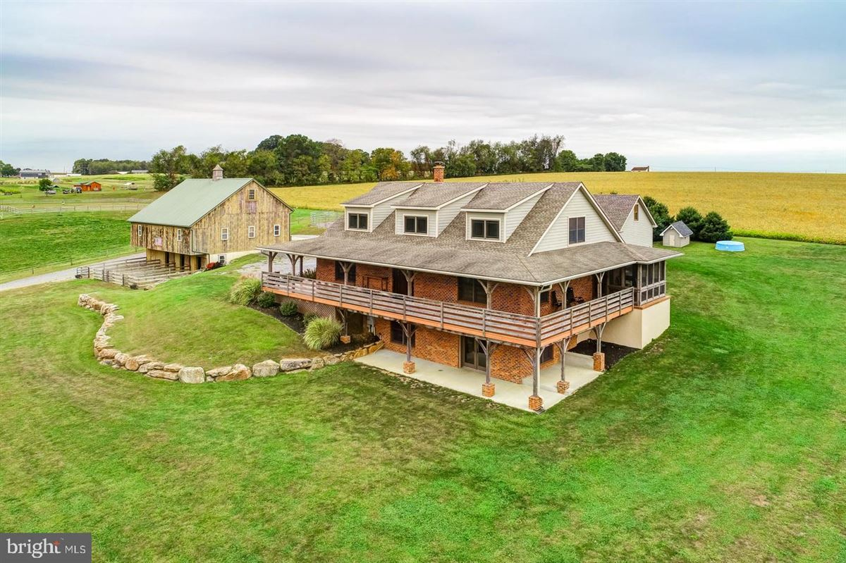 Luxury homes in Spectacular and Secluded 17 Acre Horse Farm