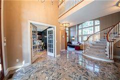 Luxury real estate a custom built Sosso home