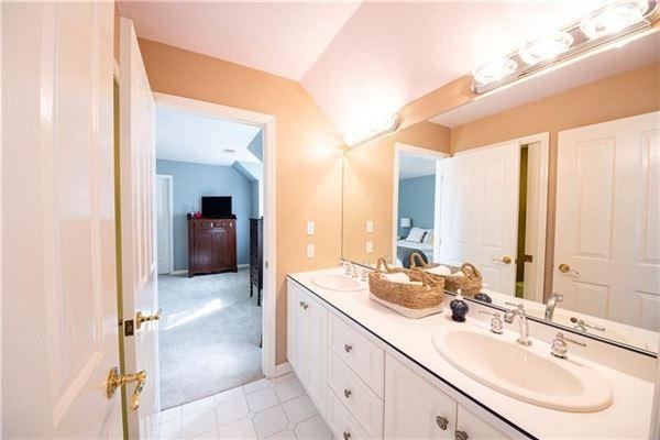 a custom built Sosso home luxury real estate