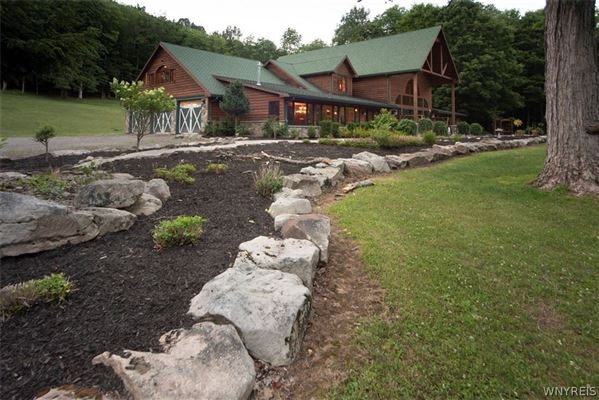 Luxury homes fabulous log home on 20 acres