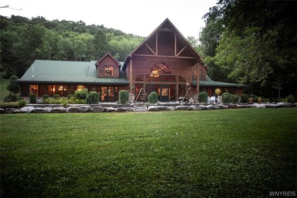 Luxury real estate fabulous log home on 20 acres