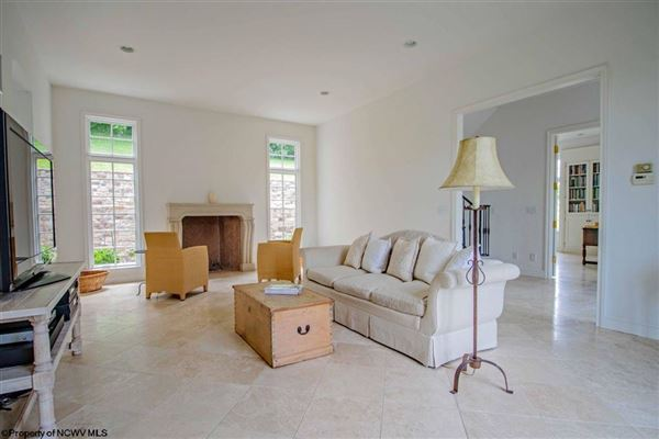 Luxury homes Suncrest Luxury