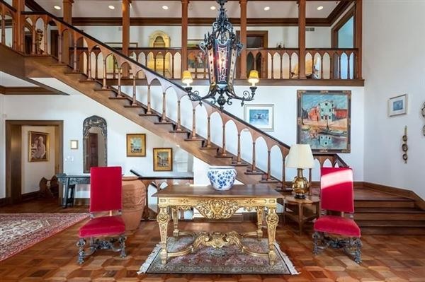 Luxury properties Tuscany inspired estate on 26 acres