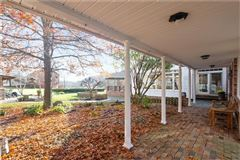 amazing colonial farmhouse on 46 plus acres mansions