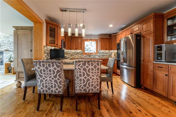 Mansions in Move-in-ready home on Lake Shannon