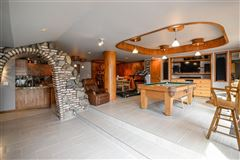 Luxury homes in Move-in-ready home on Lake Shannon