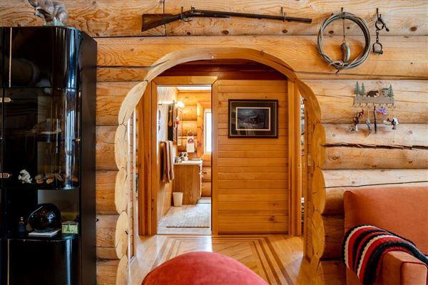 Luxury homes custom built Montana Log home on over 50 acres