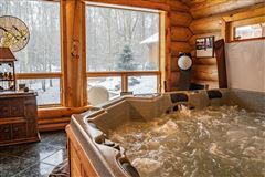 Mansions custom built Montana Log home on over 50 acres