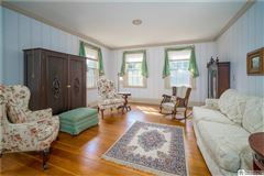 Mansions lovingly restored and updated 1820 home