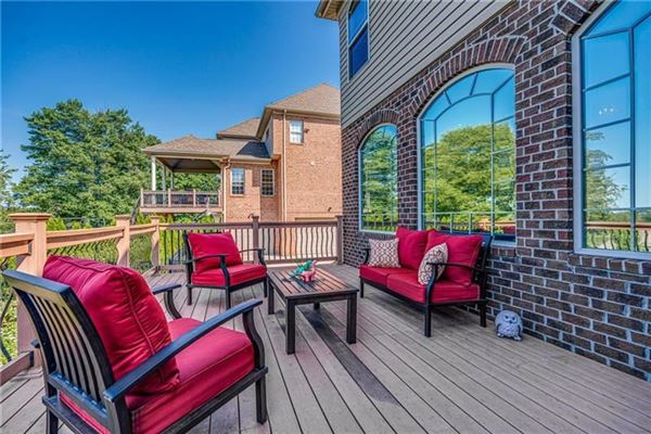 Quality built move-in ready home in Pennsylvania luxury properties