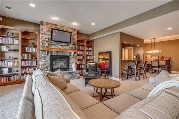 Quality built move-in ready home in Pennsylvania luxury homes