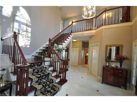 Luxury homes dramatic, contemporary home in avon lake