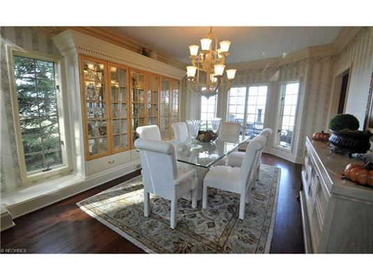 Luxury real estate dramatic, contemporary home in avon lake