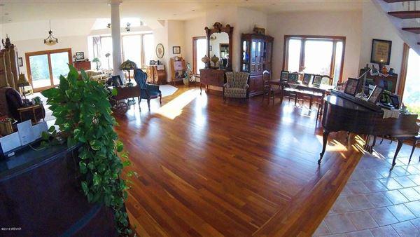 spectacular home in Wellsboro luxury properties