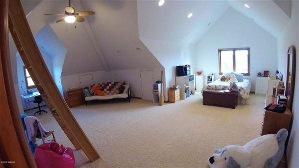 Luxury properties spectacular home in Wellsboro