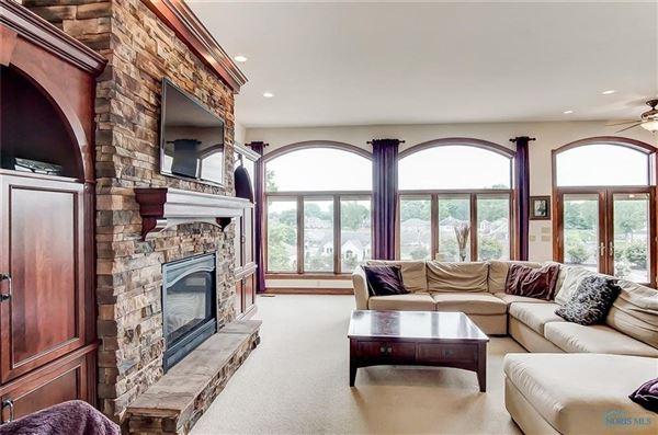Luxury real estate Breathtaking views in marblehead