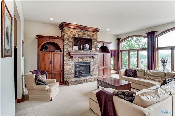 Luxury properties Breathtaking views in marblehead