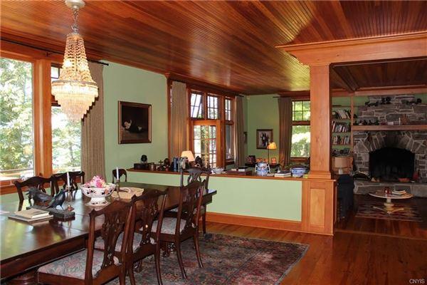 Classic River charm luxury homes