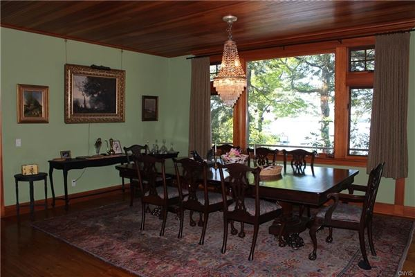 Luxury real estate Classic River charm