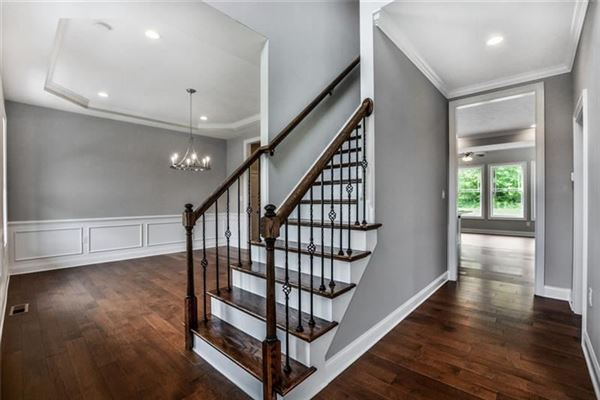custom new home in Field Brook Farms luxury properties