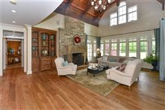 Mansions in  impeccable craftsman-style estate