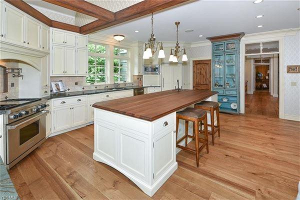 impeccable craftsman-style estate luxury properties