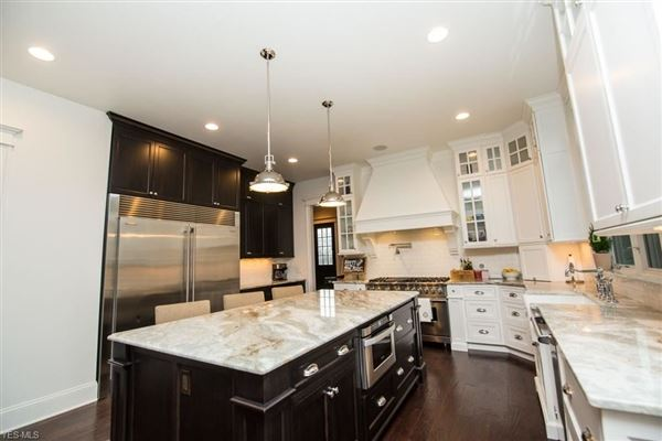 Luxury homes custom home at Barrington Country Club