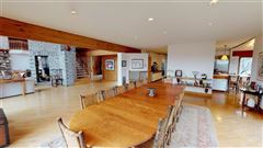 Mansions in a beautiful property in white oak