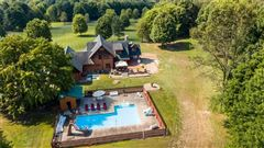 Luxury real estate Western Pennsylvanian paradise