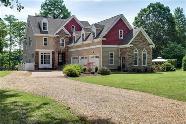 LUXURY ABOUNDS IN THIS GRACIOUS WATERFRONT HOME   Virginia Luxury Homes    Mansions For Sale   Luxury Portfolio